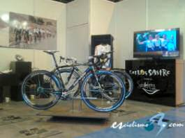 La boutique solidaria Smilekers expone sus productos en Expobike