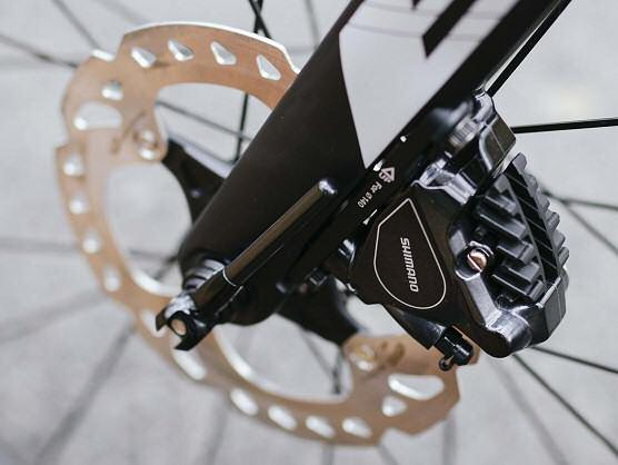 La UCI vuelve a autorizar los frenos de disco en competición a partir de enero