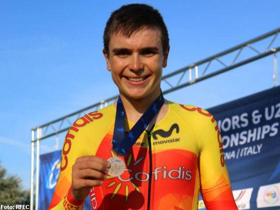 www.esciclismo.com/actualidad/imagenes/a/raul-garcia-pierna-cto-europa-pista-persecucion-2020-rfec-press.jpg