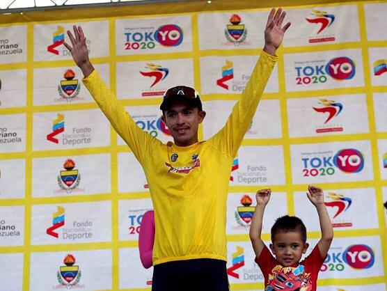 Salinas lidera la Vuelta al Táchira tras la tercera etapa que gana Restrepo