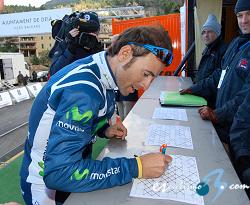 http://www.esciclismo.com/actualidad/imagenes/alejandro_valverde_ch_mallorca_firmas_2012_rafacarbo.jpg