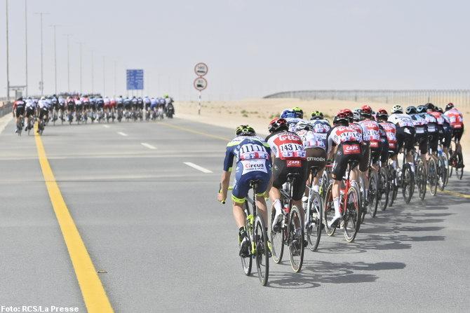 Tour de los Emiratos - Abanicos en la etapa 1