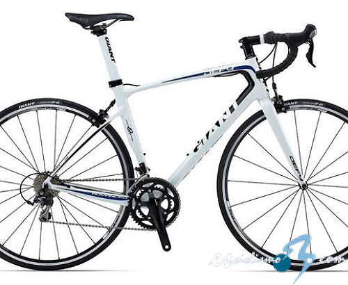 La Giant Defy Advanced 2, Bici del Año para la revista Cycling Plus