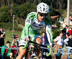 Isaac Suárez gana en el ciclocross de Treto (Cantabria)