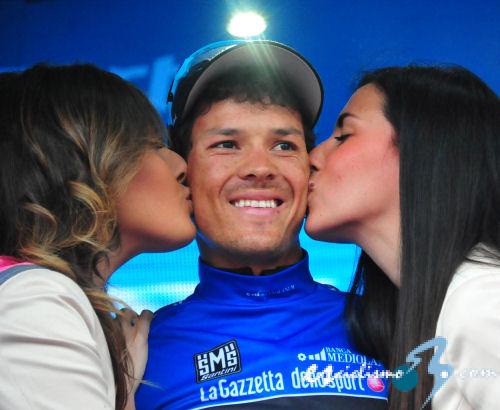 Giro de Italia: Arredondo gana en el Refugio Panarotta y Quintana sigue líder