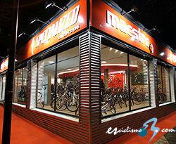 Vitoria Ya Cuenta Con Un Concept Store El Maestre Specialized